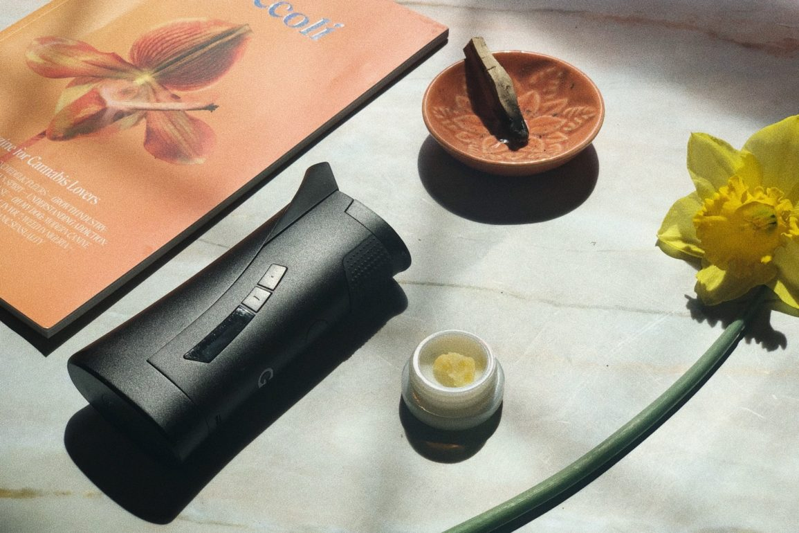 Vaporizers for wax and dabs